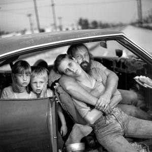 homeless_with_family
