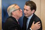 Juncker_kiss_1